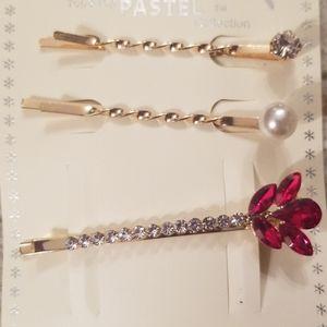 Accessories - 🆕️Red flower hair pin set